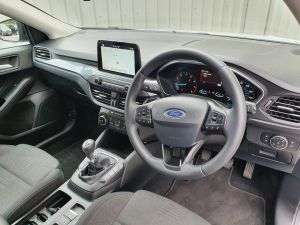 FORD FOCUS ACTIVE - 7851 - 6