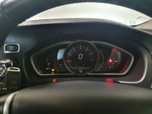 VOLVO V40 T3 CROSS COUNTRY PRO - 9026 - 2