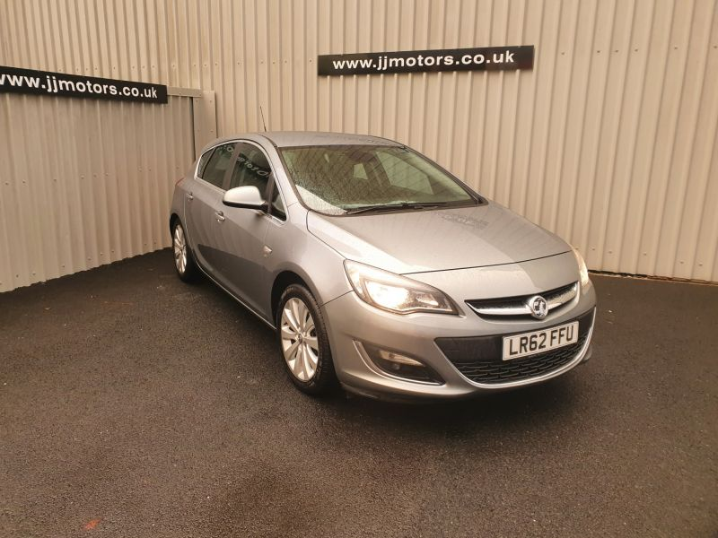 Used VAUXHALL ASTRA in Llanelli, South Wales for sale