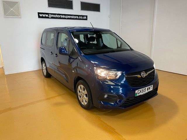 Used VAUXHALL COMBO LIFE in Llanelli, South Wales for sale
