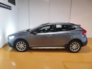 VOLVO V40 T3 CROSS COUNTRY PRO - 9026 - 6