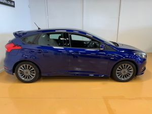 FORD FOCUS ST-LINE - 7610 - 3
